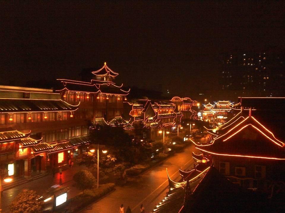 В китайском городе будет своя собственная «луна»