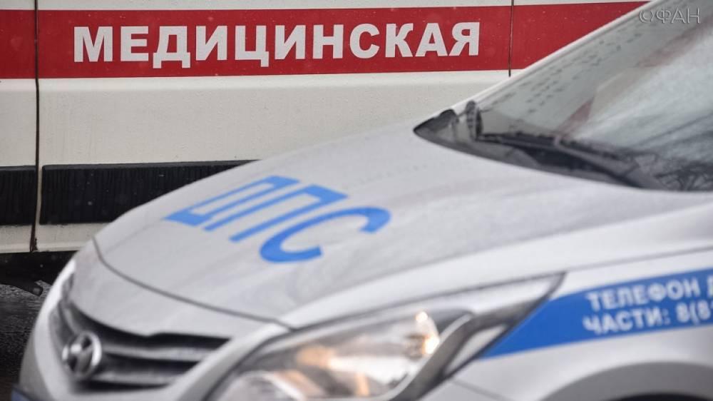 Маршрутка влетела в тягач с цистерной в Петербурге, есть пострадавшие