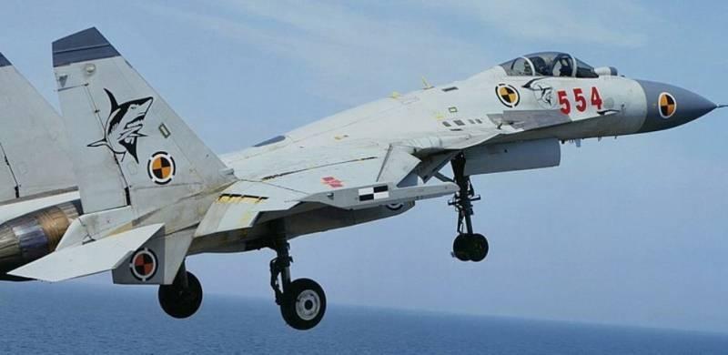 Китайская копия Су-33 лучше оригинала? Мнение американского эксперта