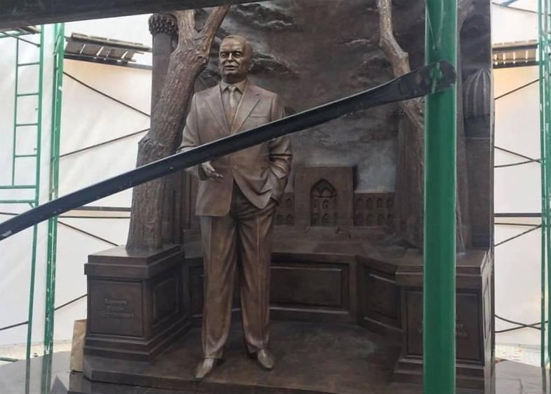 Памятник Каримову в Москве. Кто и зачем?