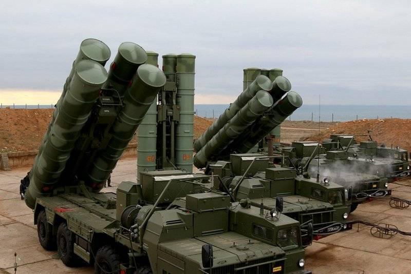 Небо будет на замке. Третий полковой комплект С-400 передан Минобороны