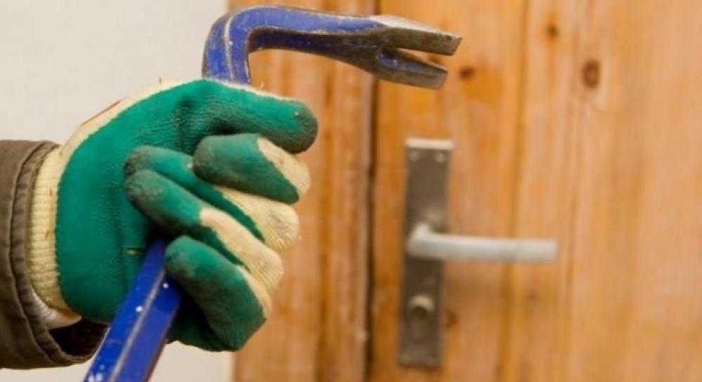 На Прикарпатье осудили на 5 лет двух мужчин, которые ограбили храмы и сельсоветы