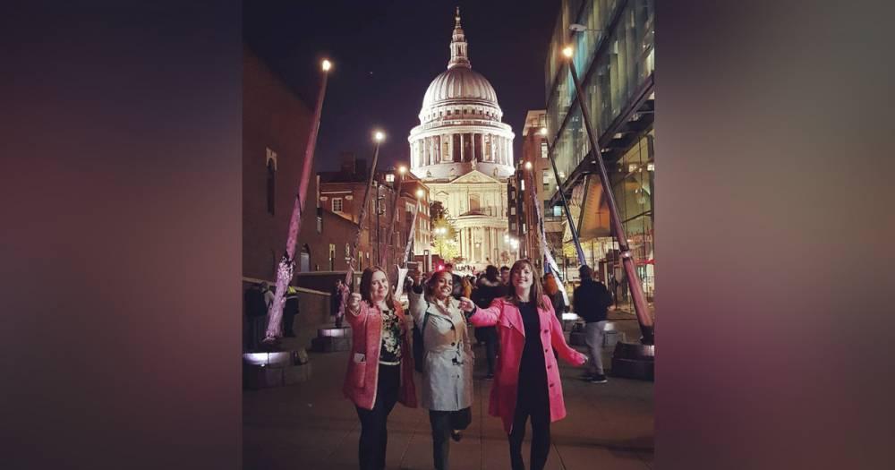 """Магия ждёт. В Лондоне установили гигантские волшебные палочки из """"Гарри Поттера"""""""