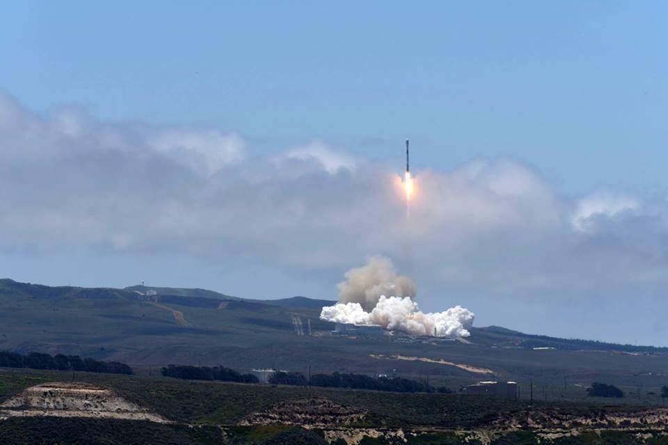 ВВС США просит жителей Калифорнии быть готовыми к звуковым ударам в этот уик-энд