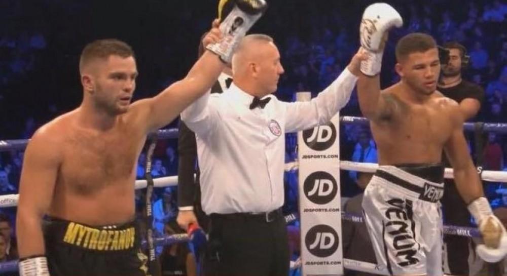 Украинский боксер Митрофанов свел вничью поединок в андеркарте боя Усик - Беллью