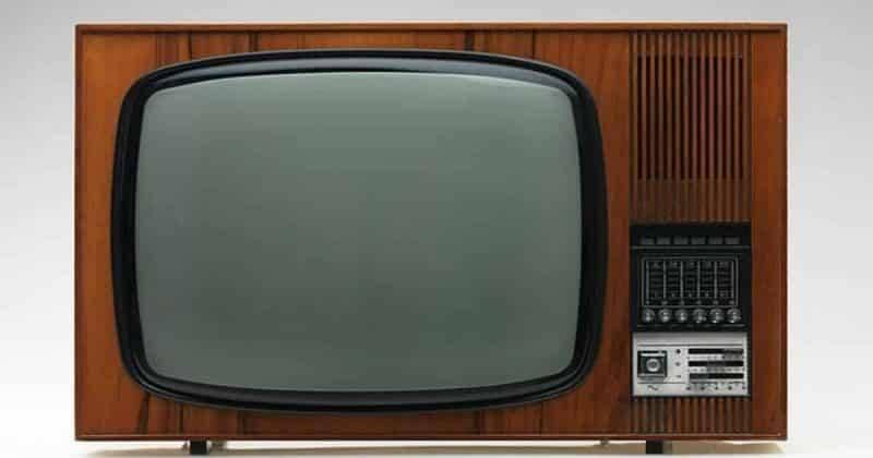 Эпоха черно-белого телевидения еще не ушла: 7000 семей смотрят передачи по старинке