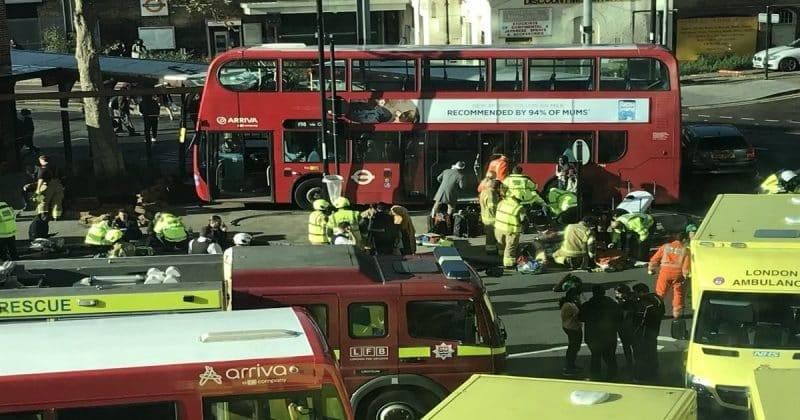 20 человек пострадали, 1 девочка в критическом состоянии после аварии в Кройдоне
