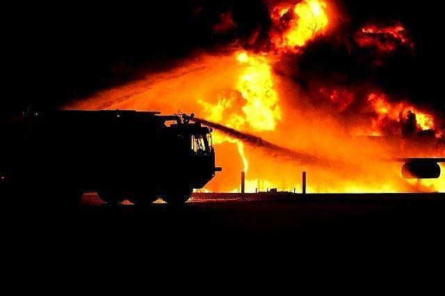 Пожар на рязанском заводе «Центролит» тушат более 40 человек