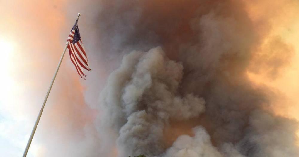 Из-за пожаров Трамп объявил в Калифорнии режим крупного стихийного бедствия