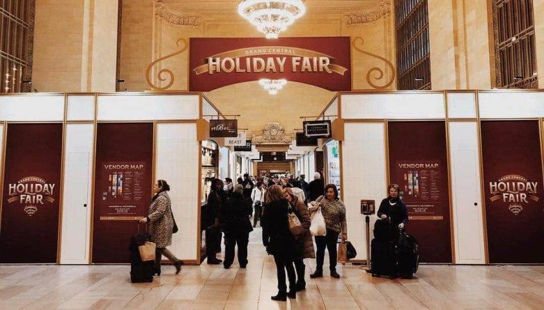 На Центральном вокзале Нью-Йорка открылась ежегодная праздничная ярмарка — Holiday Fair