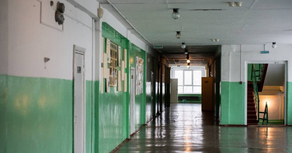 В Комсомольске-на-Амуре отстранили педагога, избившего 9-летнего ученика