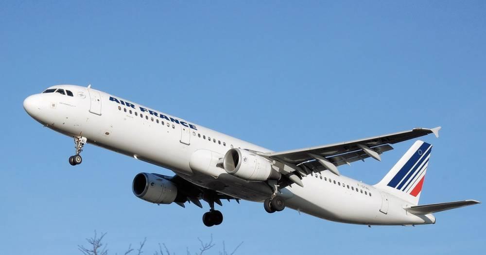 Застрявшие в Иркутске после поломки Boeing-777 вернулись в Париж