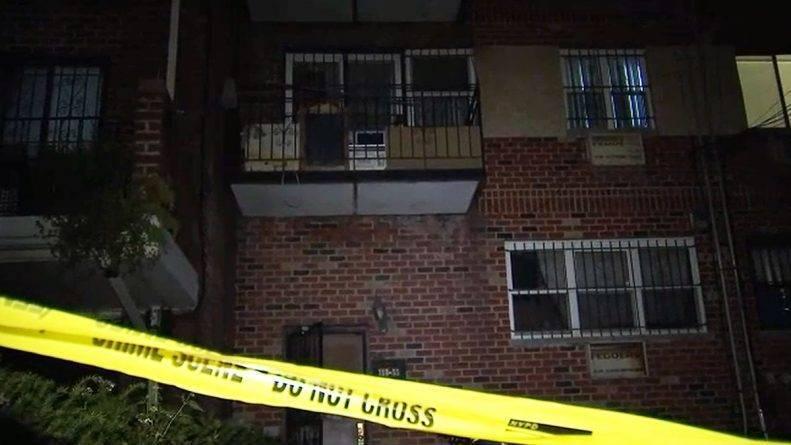 В квартире в Куинсе нашли 2 трупа с множеством ножевых ранений