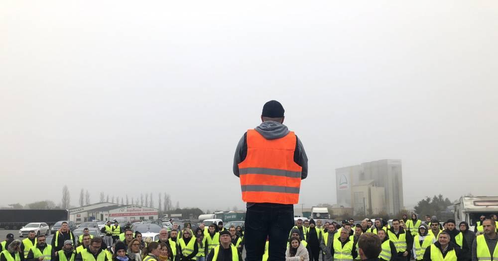 Во Франции во время массового протеста против роста цен на топливо погиб человек