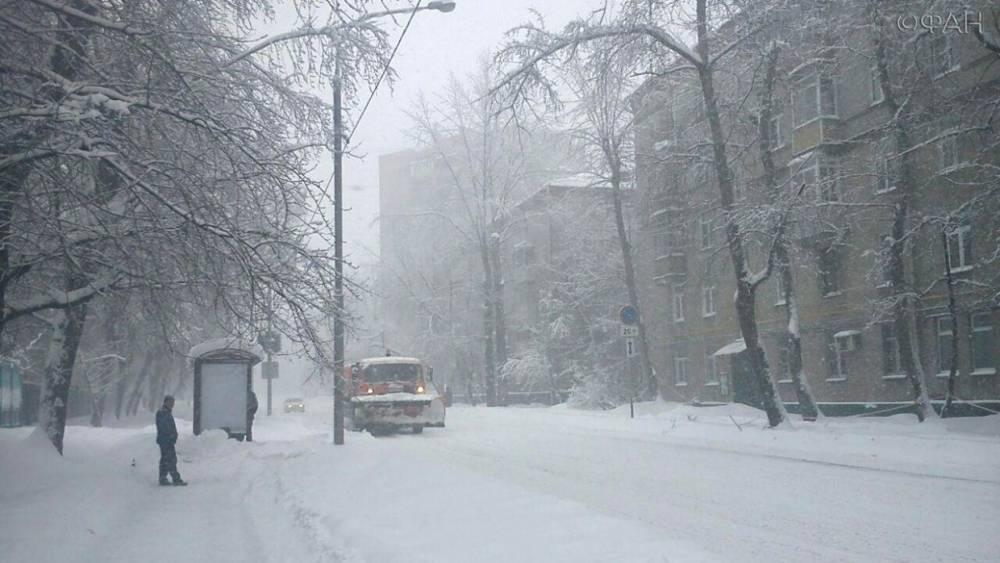 Дороги в Москве обработают от гололеда из‐за непогоды