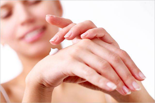 Без признаков старения. Как уберечь руки отморщин ипигментных пятен
