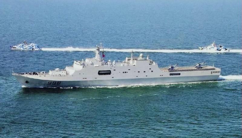 Индийский адмирал: Китай строит столько военных кораблей, сколько не строит никто