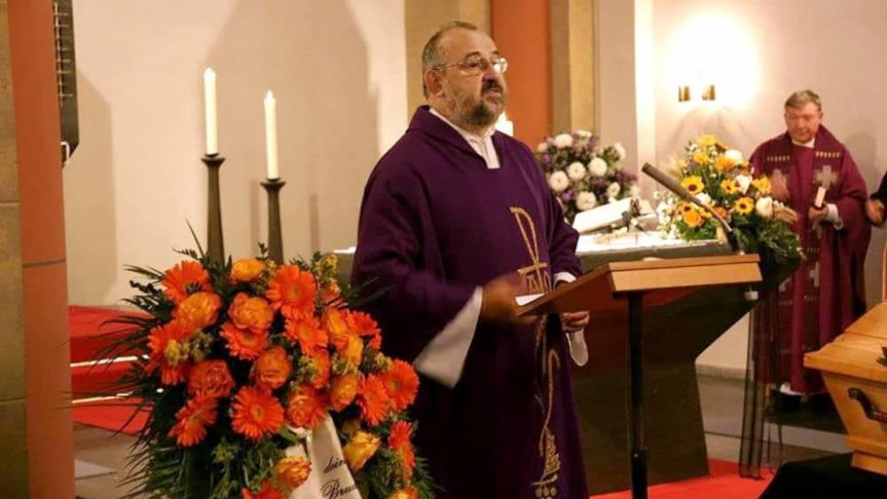 Священник украл из церковной кассы € 120 000 и спустил все на лотерею