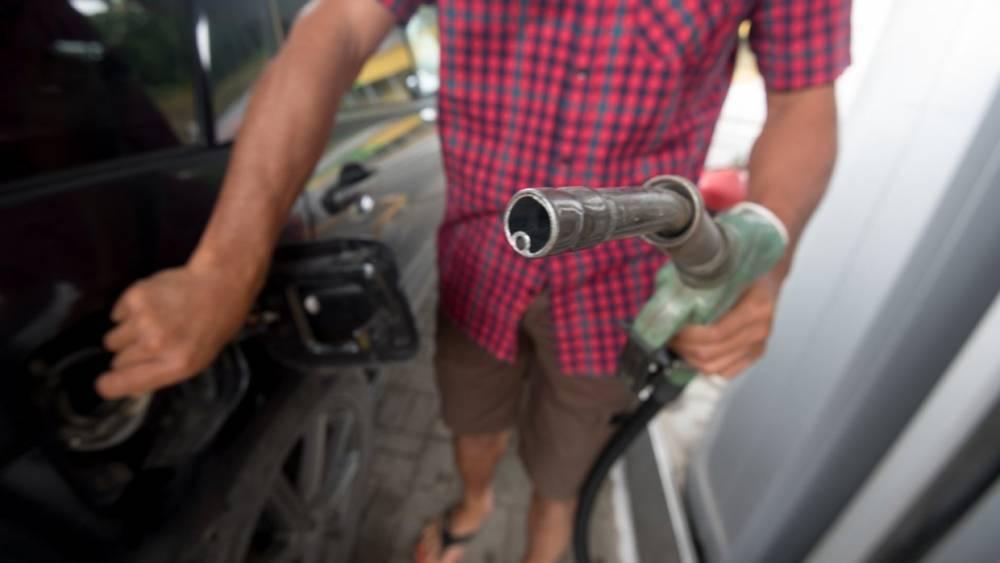 Нефтяники подтвердили снижение цен на топливо в РФ
