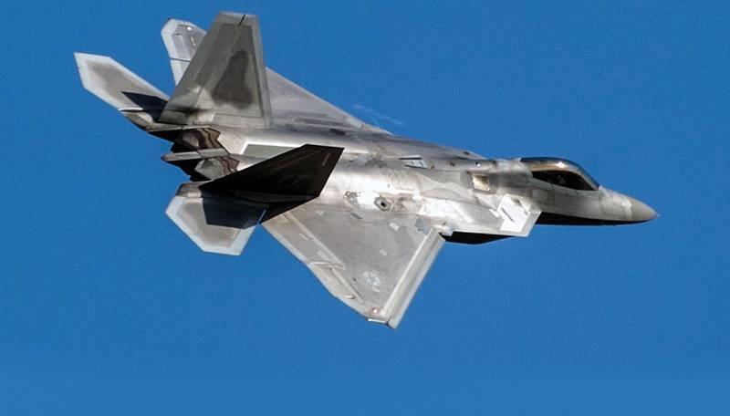 NI: Часть истребителей F-22 Raptor могут превратить в беспилотники