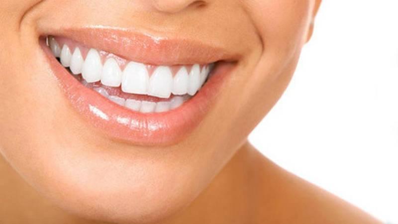 Оплатит ли больничная касса профессиональную чистку зубов?
