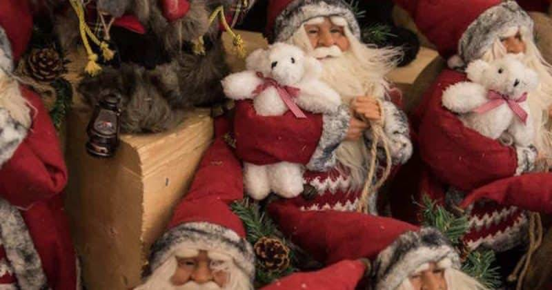 Запрет на Рождество: школа обещает наказывать учеников за открытки и подарки