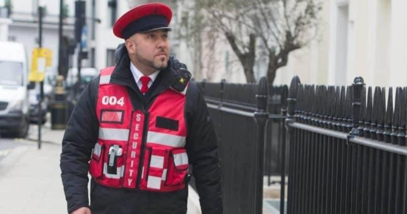 Напуганные лондонцы обращаются в частную охранную фирму для своей защиты
