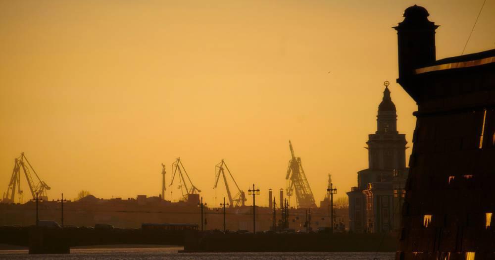 Названа возможная причина пожара на ледоколе в Петербурге