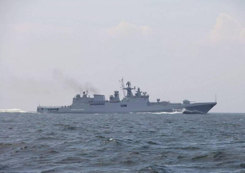"""Фрегат """"Адмирал Макаров"""" отправился в Средиземное море"""
