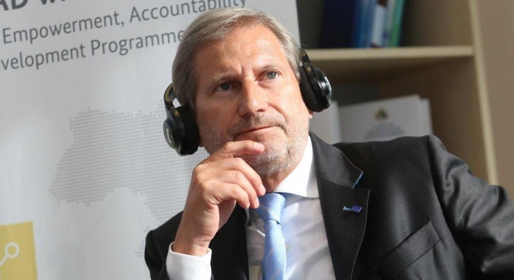 Еврокомиссар призвал наказать организаторов нападений на активистов в Украине