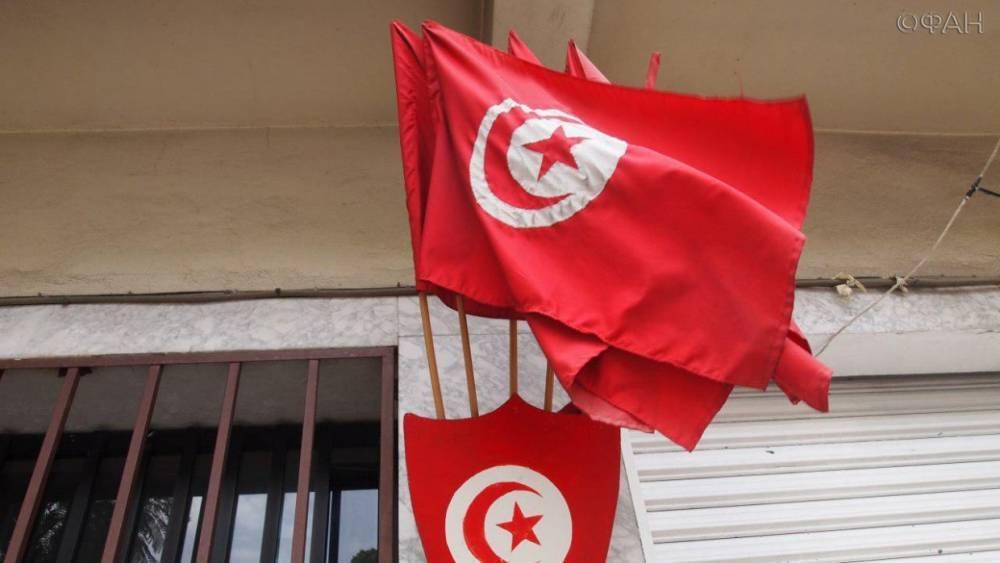 Один файер, шесть голов, полсотни раненых: футбольный матч в Тунисе превратился в «фильм ужасов»