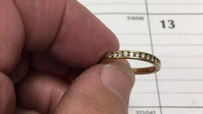 К американке вернулось бриллиантовое кольцо, которое «смылось» в унитаз 9 лет назад