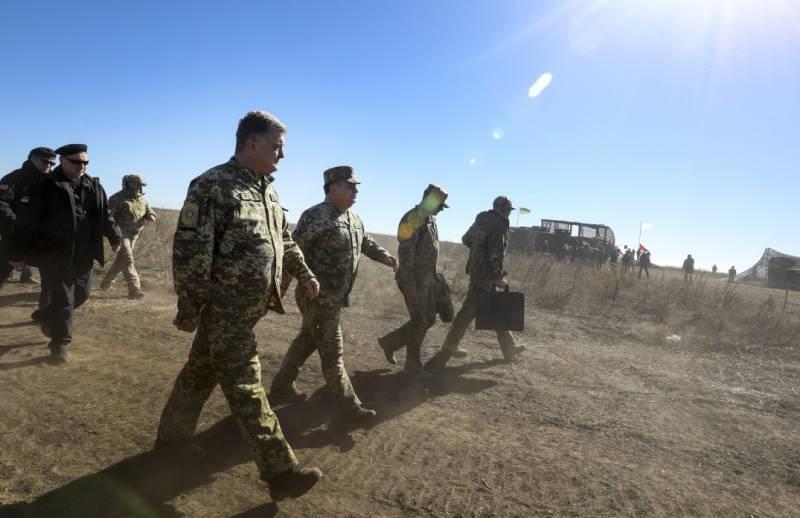 Порошенко рассказал об условии отмены военного положения