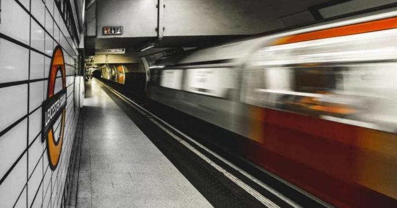 На лондонском транспорте в канун Нового года можно будет ездить бесплатно