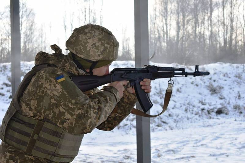 Порошенко рассказал, зачем ввёл военное положение