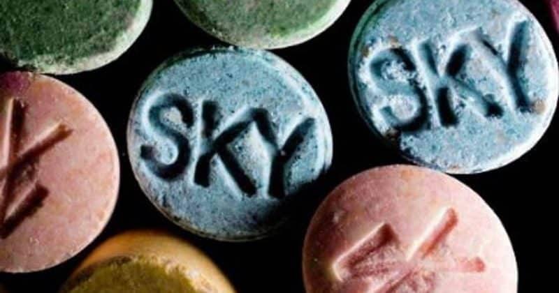 Британские университеты раздают студентам наркотики, чтобы те не ходили к дилерам