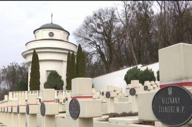 Во Львове вандалы надругались над польскими военными захоронениями