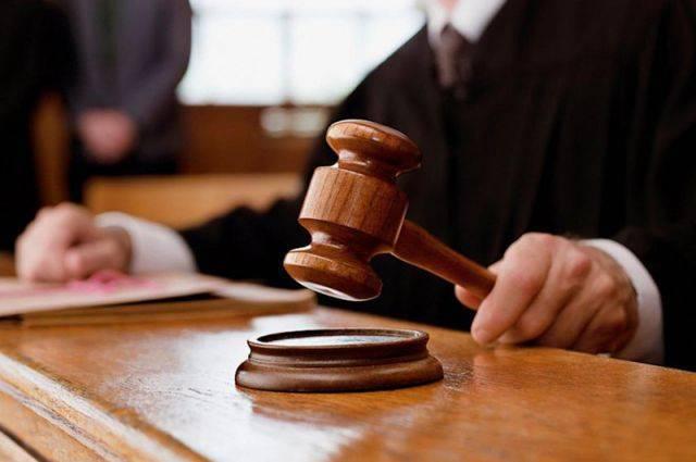 Автору частушек о судьях присудили 15 тысяч рублей по делу об экстремизме