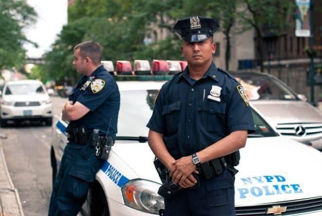 Рожала в наручниках. Жительница Бронкса судится против NYPD