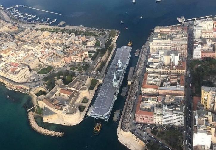 """В Италии возникли вопросы по поводу закупки F-35В для авианосца """"Кавур"""""""