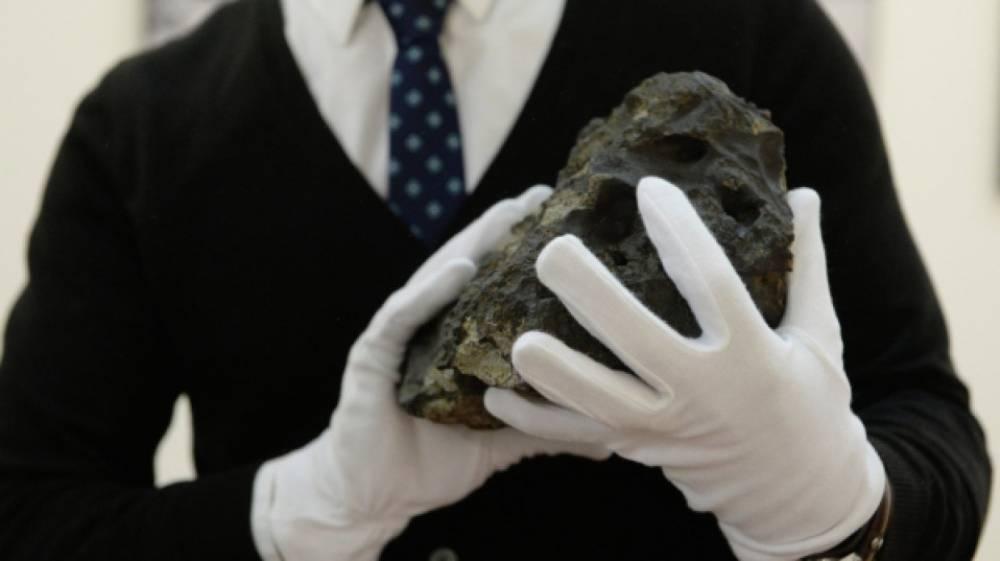 Ученые РФ и NASA выпустят книгу об исследованиях Челябинского метеорита