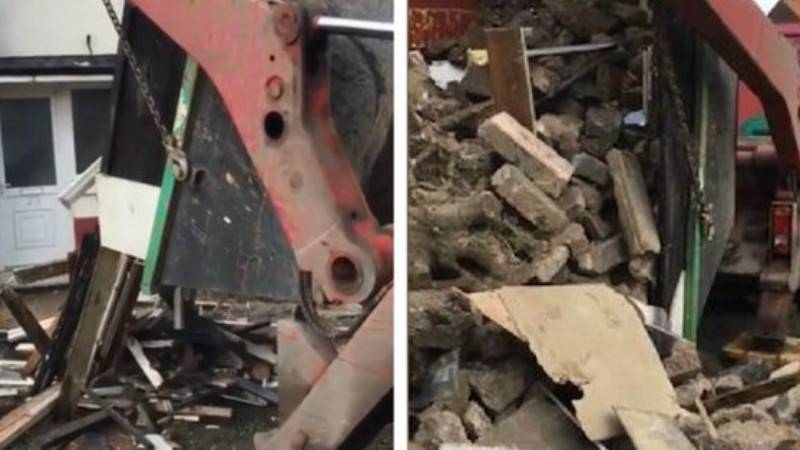 Рабочие высыпали 15 тонн мусора на крыльцо мужчины, отказавшегося платить за уборку