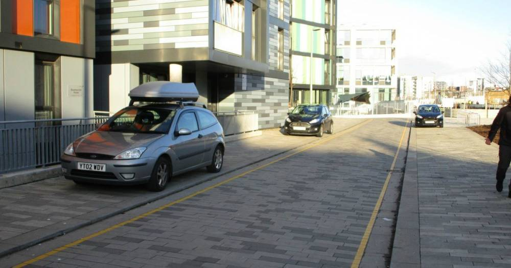 Парковка на тротуаре: как избежать штрафа и что об этом говорит закон?