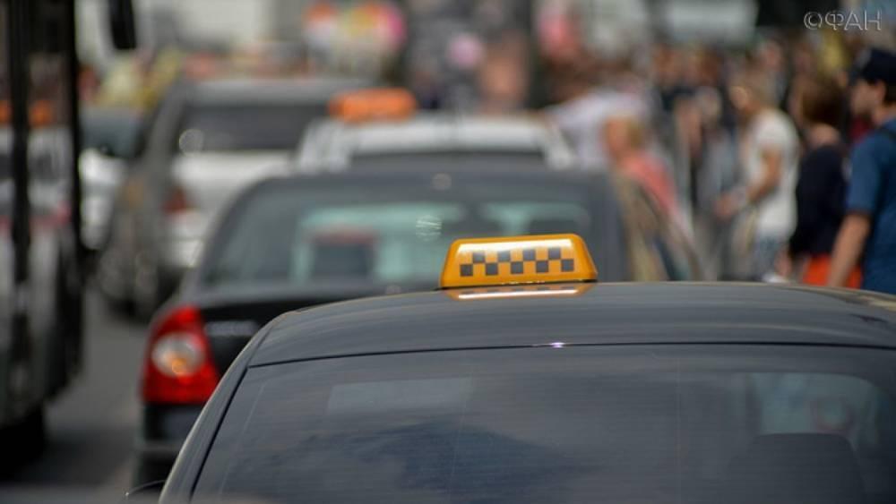 Водитель такси во Владивостоке избил пожилого мужчину за сделанное замечание