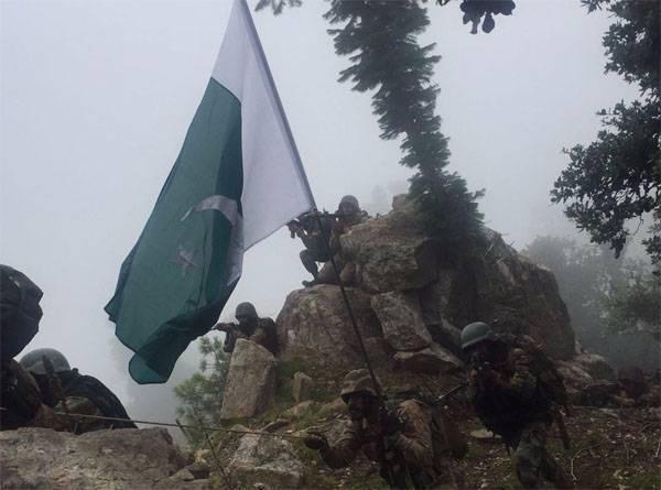 Индийские войска осуществили ракетный обстрел пакистанских позиций