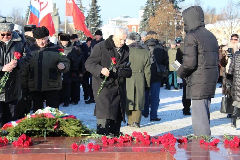 Торжественный митинг прошел в Петрозаводске в честь Дня защитника Отечества