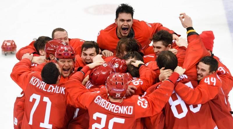 Последний день Олимпиады: «золото» россиян в хоккее и запрет прохода под национальным флагом