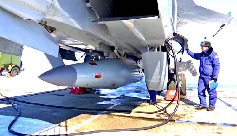 МиГ-31 вновь запустил «Кинжал»: уникальные кадры