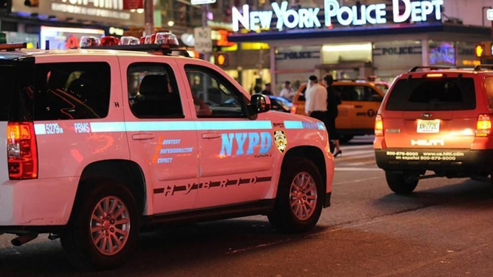 Два человека погибли после падения вертолета в Нью-Йорке