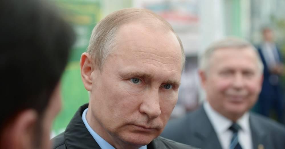 """Путин пообещал усилить борьбу с """"серым импортом"""" сельхозпродукции"""